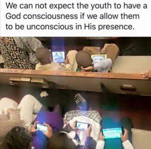 kids_in_service_w_tablets